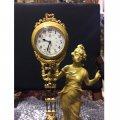Stolní figurální hodiny